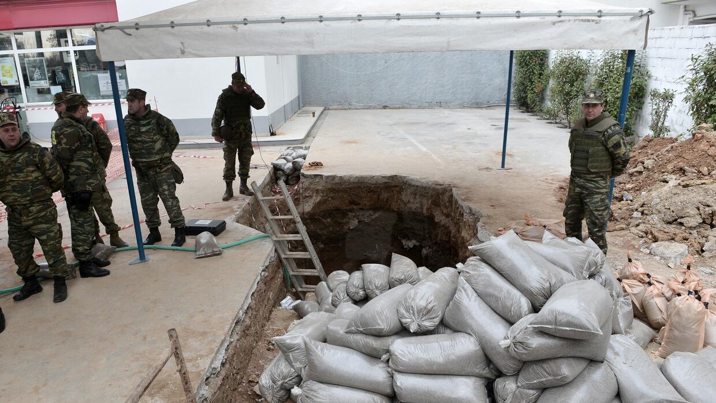 Evacúan a 70,000 personas en Grecia por el hallazgo de una bomba de la S...