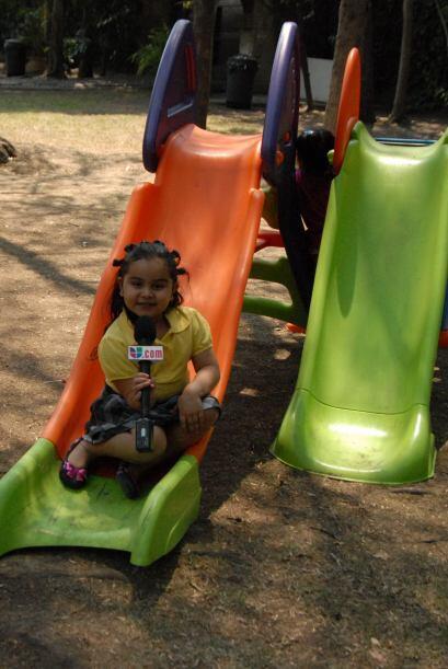 Fátima también tiene talento para ser una muy buena reportera.