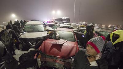 Un choque de 40 autos en una vía congelada: El frío extremo azota el norte de México (fotos)