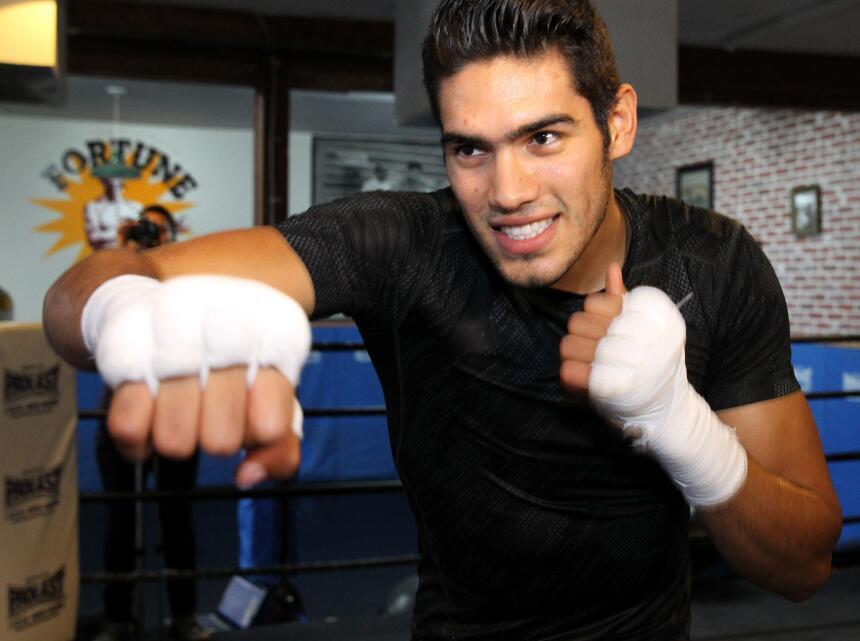 Gilberto 'Zurdo' Ramírez prepara cañones Ramirez media day_150616_003a.jpg