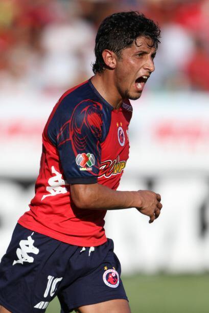 Luego de su paso por Pachuca, llegó al equipo de Veracruz donde estuvo e...