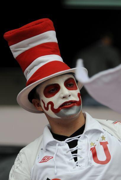 El hincha con aspecto de fantasma es de Liga de Quito y aunque no se cre...