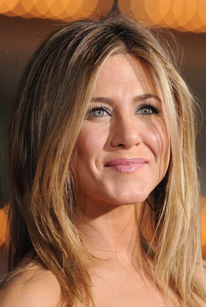 Jennifer hace de todo para prolongar que el tiempo haga de las suyas con...