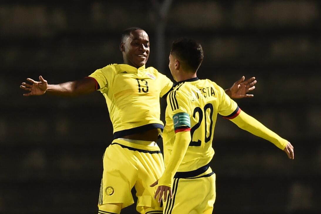 Eduard Atuesta, el colombiano que compartirá equipo con Carlos Vela en l...