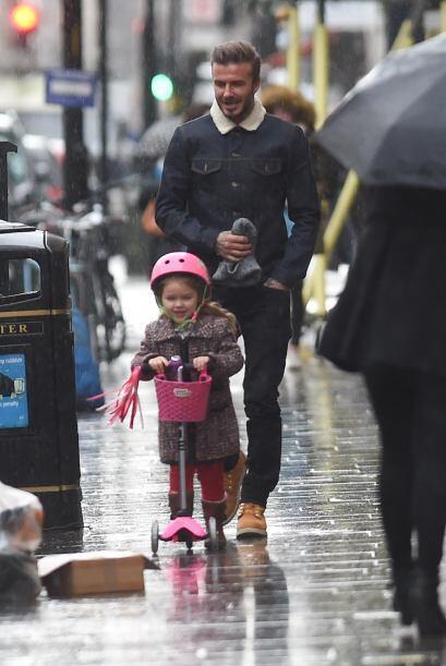 David está en Londres con sus pequeños.