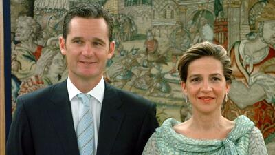 La infanta Cristina y su esposo Iñanki de Urdangarín en el bautizo de un...
