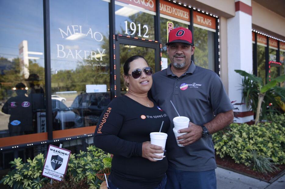 Rita y Bernando son puertorriqueños y votaron juntos en uno de los lugar...