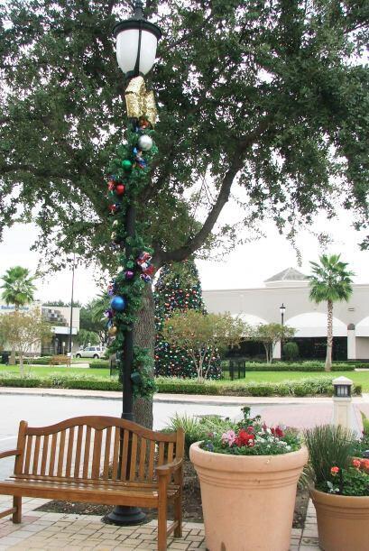 Desde ya se pueden ver rincones de la ciudad decorados con motivos navid...
