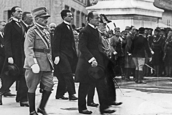 BENITO MUSSOLINI.- Militar, político y dictador italiano. Ejerci&...