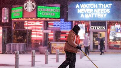 Nueva York resiste el ciclón invernal que ha paralizado a la ciudad