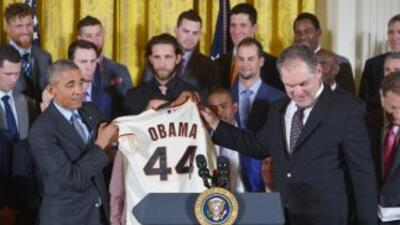 Obama recibe a los Gigantes de SF.