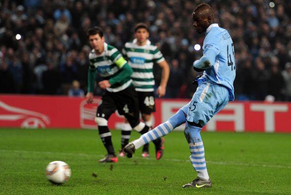Un penalti más que polémico fue convertido por el italiano...