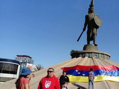 Una de las protestas de venezolanos en Tijuana se realizó en la g...