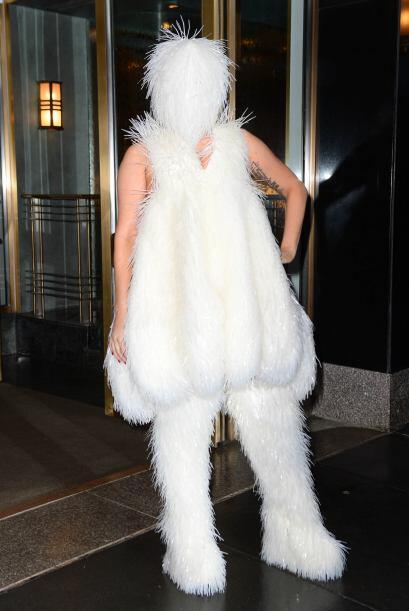 Más que parecer una mujer innovadora y 'fashionista', Gaga se ganó un lu...