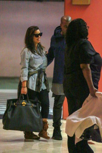 Tras su embarazo Kim Kardashian quedó con muchas libras de más. Más vide...