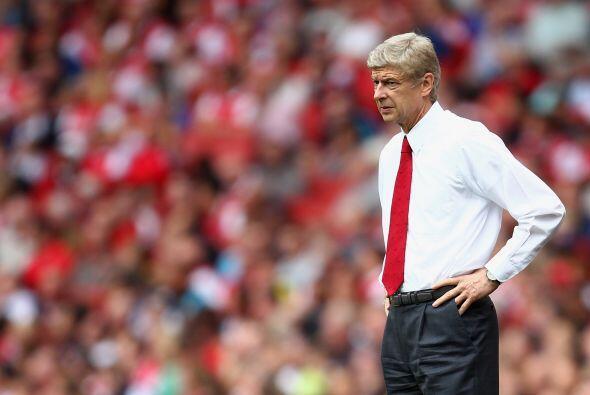 Arsène Wenger, DT del Arsenal, vivió el partido con muchos...