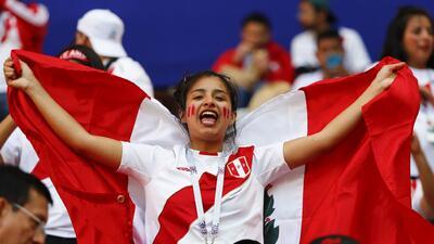 Las peruanas fueron protagonistas en las tribunas en el regreso de su selección a un Mundial