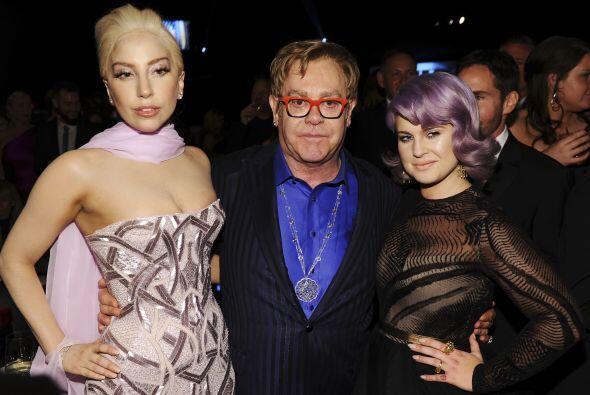 Con Lady Gaga y Elton John. Mira aquí los videos más chismosos.