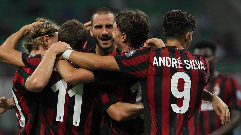 El Milán goleó 6-0 al Shkendija de Macedonia.