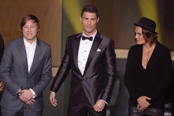 Cristiano Rolando también fue llamado a pasar junto a los demás futbolis...