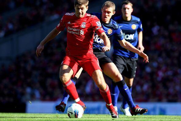 El emblema del Liverpool se echó al equipo al hombro ante el Manchester...