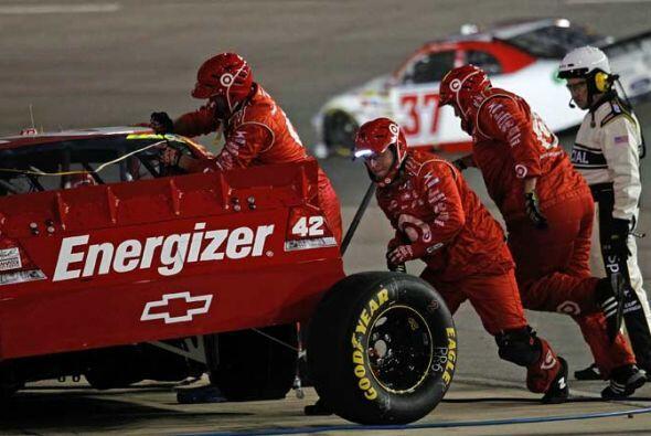 Montoya hizo una parada a pits en cuanto perdió el liderato para cambiar...