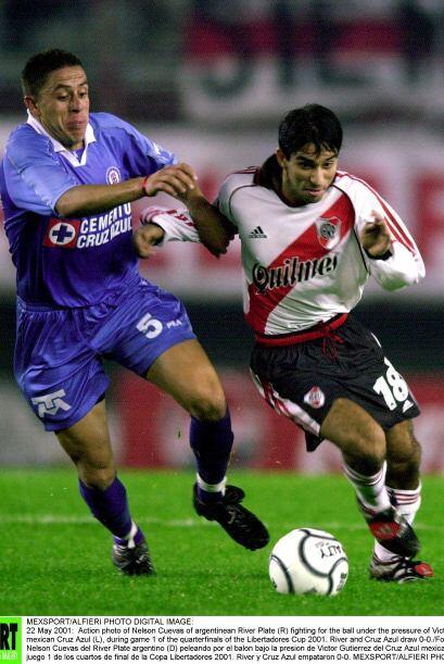 En la Copa Libertadores del 2001, Cruz Azul visitó en la fase de cuartos...