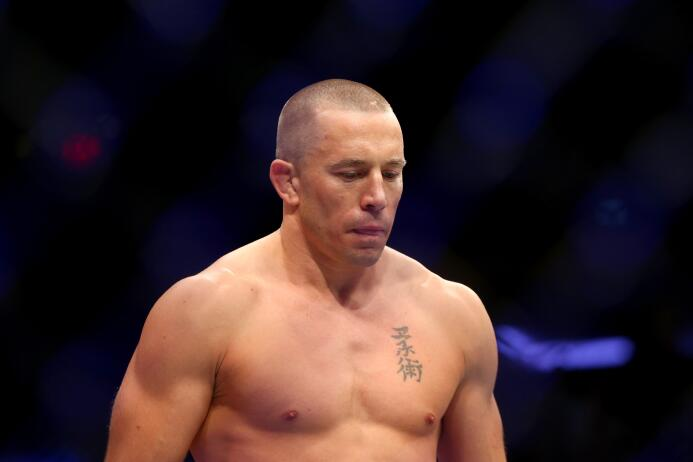 En la UFC, Georges St-Pierre se retiró en el 2013 al estar cansado de su...