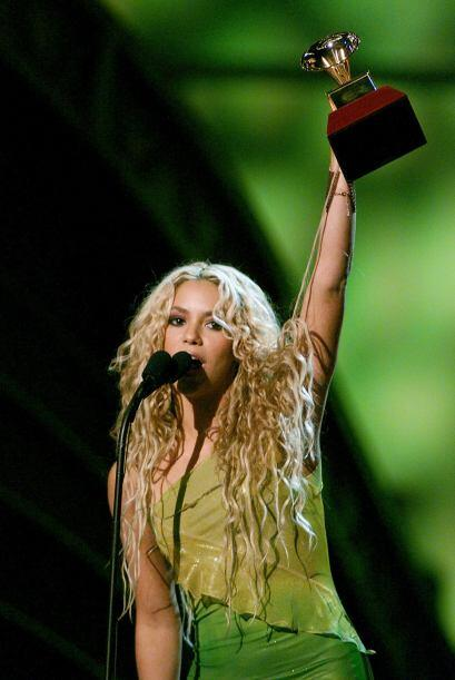 Shakira en el 2000 se llevó sus primeros dos Latin GRAMMY.