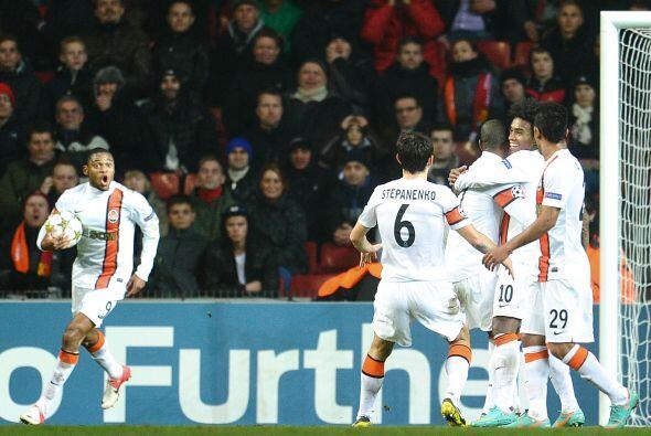 El Shakhtar Donetsk logró una goleada de 5-2 en suelo danés para ponerlo...