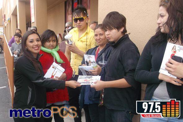 Aprovechó su visita a El Paso y estuvo en Metro PCS ubicado en1478 Geor...