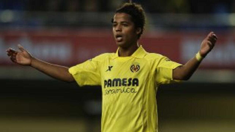 Giovani partió como titular, pero salió del campo sin haber marcado.