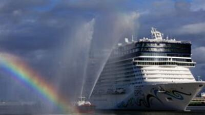 Con capacidad para más de 4,100 pasajeros y una tripulación de 1,700, el...