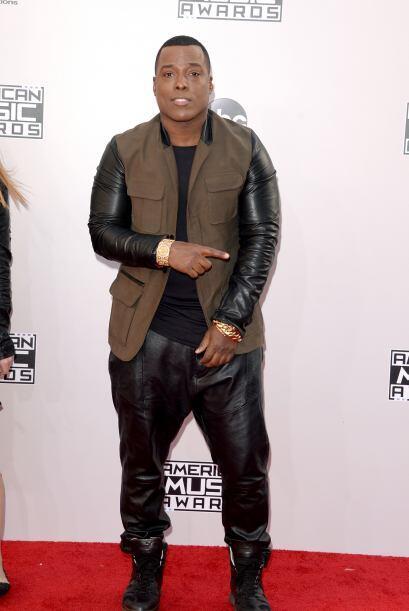 El rapper Won-G Brun, llegó encuerado y luciendo mucha piel.
