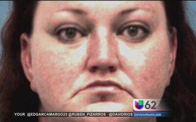 Mujer es acusada de abandono y poner en peligro a un menor por dejar a s...