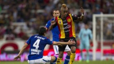 Los Leones Negros le hicieron la mala obra al Cruz Azul.