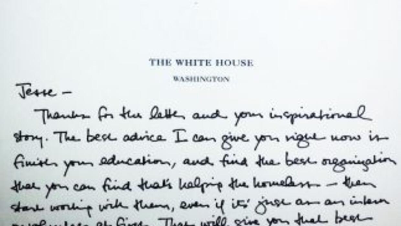 Un ex indigente que recibió una carta del presidente de EEUU está vendie...