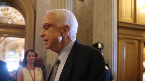 Recién operado de un tumor sobre su ojo izquierdo, McCain estuvo...