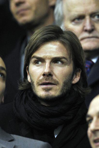 David Beckham, ex 'Man-U' y ahora entrenando con el Tottenham, veía el d...