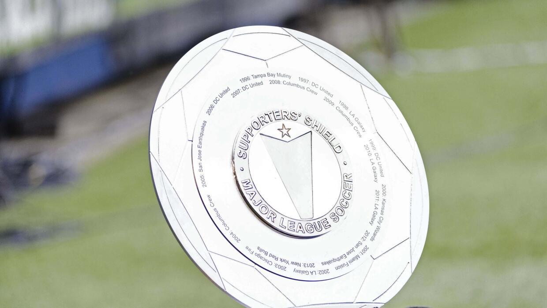 El trofeo que le entregan al mejor equipo de la temporada regular de la MLS