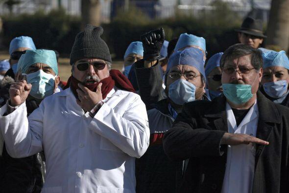 Civiles se han manifestado en Ciudad Juárez, exigiendo que las condicion...