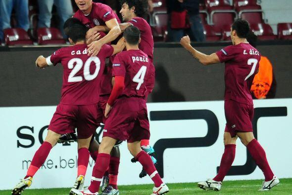 Al termino de los 90 minutos así fue, el Cluj se impuso por 2-1.