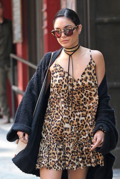 Vanessa también es atrevida y audaz al lucir un vestido suelto con 'anim...