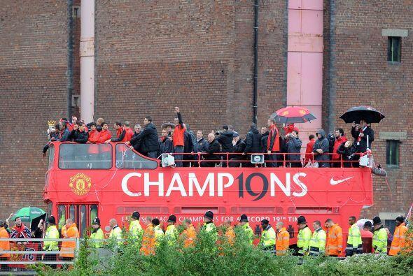 Gran fiesta del Manchester United, que ya piensa en la siguiente campaña...