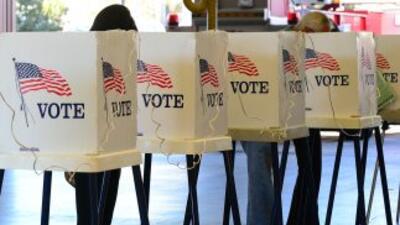 EEUU votó para elegir a cientos de legisladores, así como 13 gobernadore...