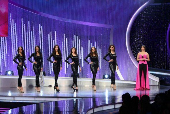 Seis chicas fueron elegidas para el primer reto, contar una historia en...