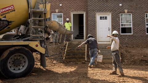 El problema de la falta de vivienda asequible es tanto urbano como rural...