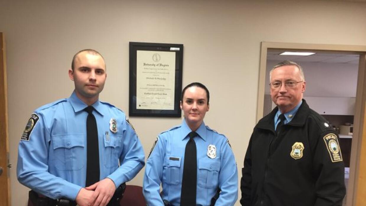 La imagen de bienvenida a tres agentes, Ashley Guindon entre ellos.