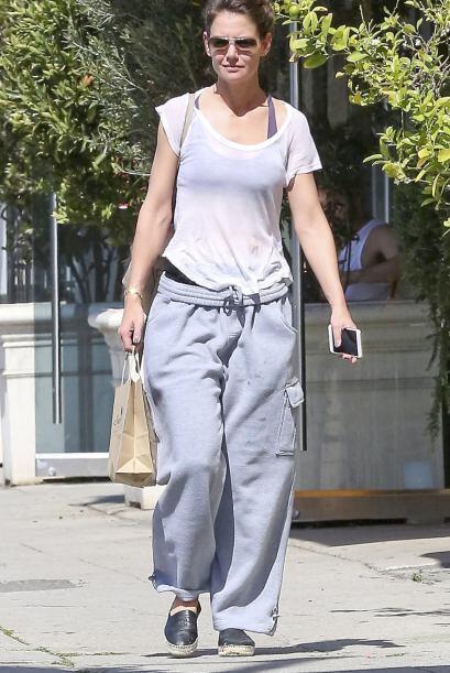 ¿Qué estaba pensado Katie Holmes cuando decidió salir así a la calle? Sa...