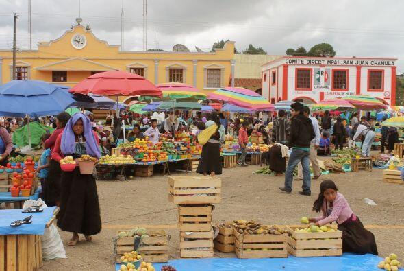 En esta comunidad indígena veras hermosa artesanía, y colores vivos.